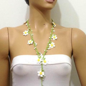 10.15.11 White Daisy Crochet beaded flower lariat necklace with White Beads.