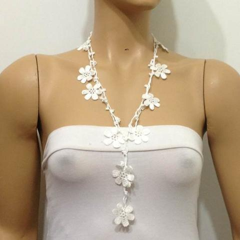 Snow White crochet Flower Lariat Necklace with white beads