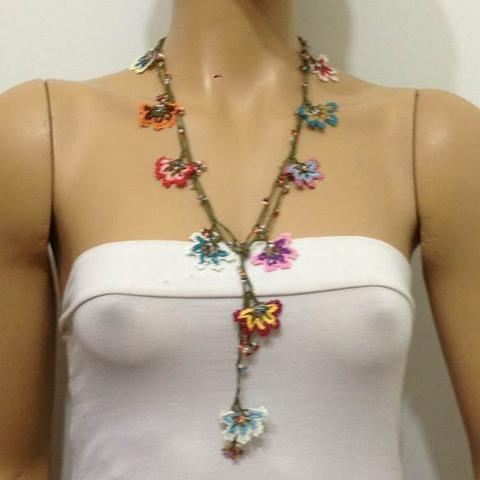 Multi-color WHEEL of FORTUNE motif Crochet beaded OYA Flower lariat necklace