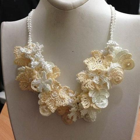 White and Cream Bouquet Necklace - Crochet crochet Lace Necklace