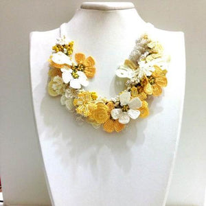 Yellow and White Bouquet Necklace - Crochet crochet Lace Necklace