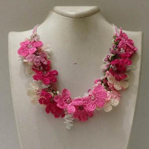 Pink and White Bouquet Necklace - Crochet crochet Lace Necklace