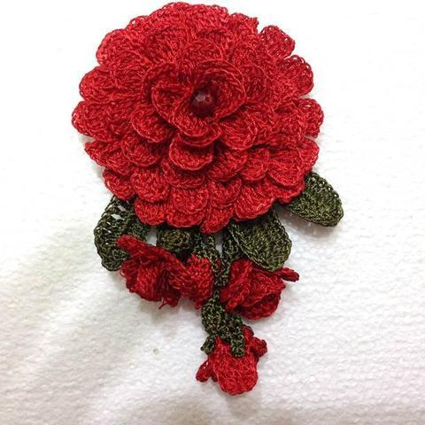 RED Christmas Brooch - 3D Hand Crocheted Flower Pin- Unique Turkish Lace - Brooches Jewelry - Fabric Flower Brooch