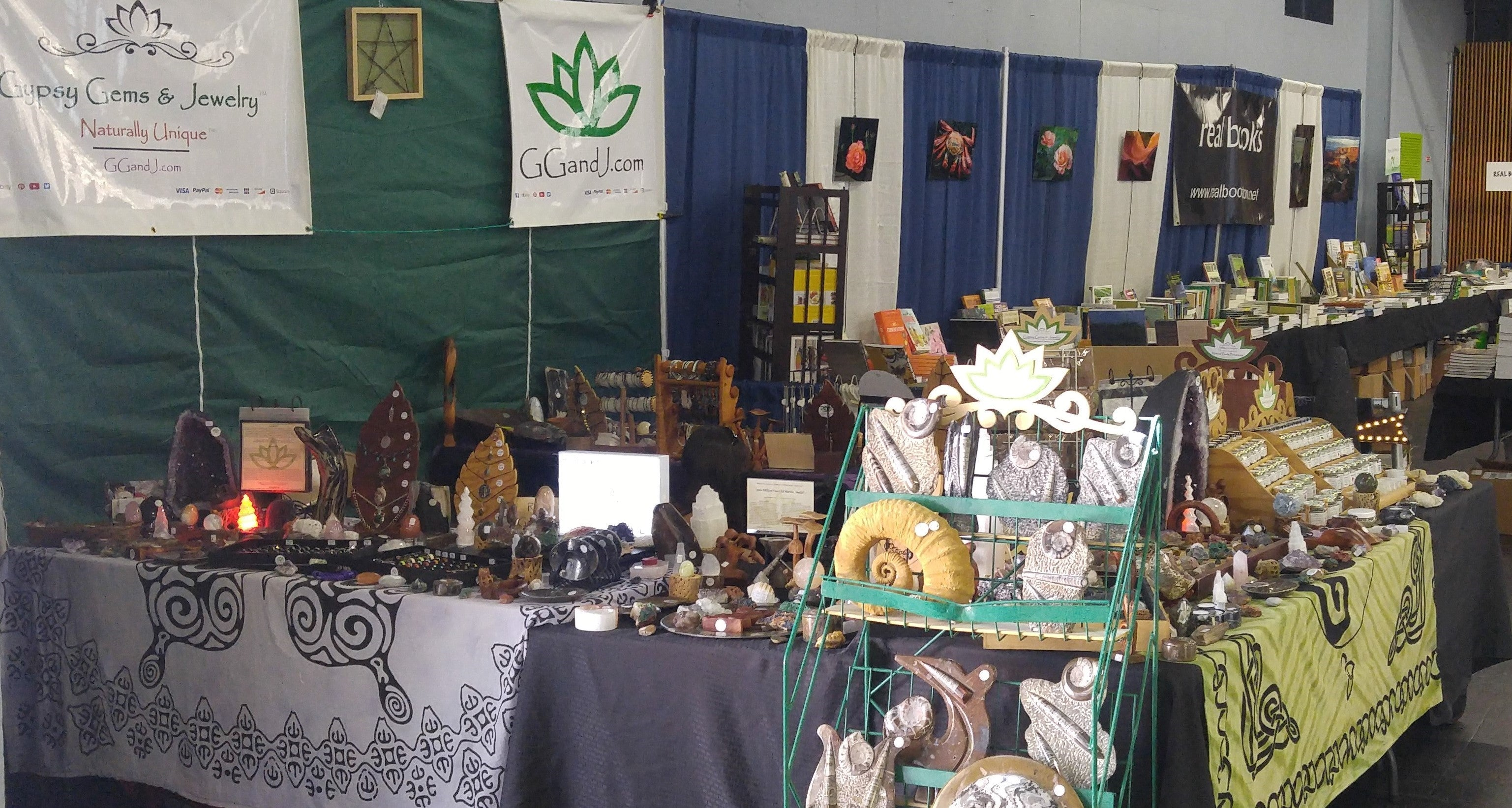 Nation Heirloom Exposition Grand Pavileon ggandj.com Booth Mother of Earth News