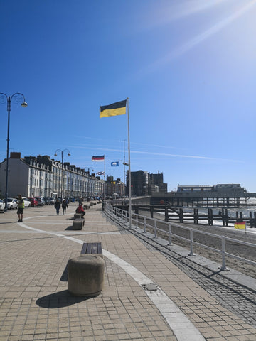 Ukraine flag Aberystwyth promenade 2018 Red Dragon Flagmakers
