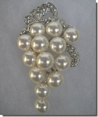 Silver and Pearls Grapes Pin B1S83