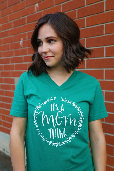 It's A Mom Thing Tee - Kelly Green