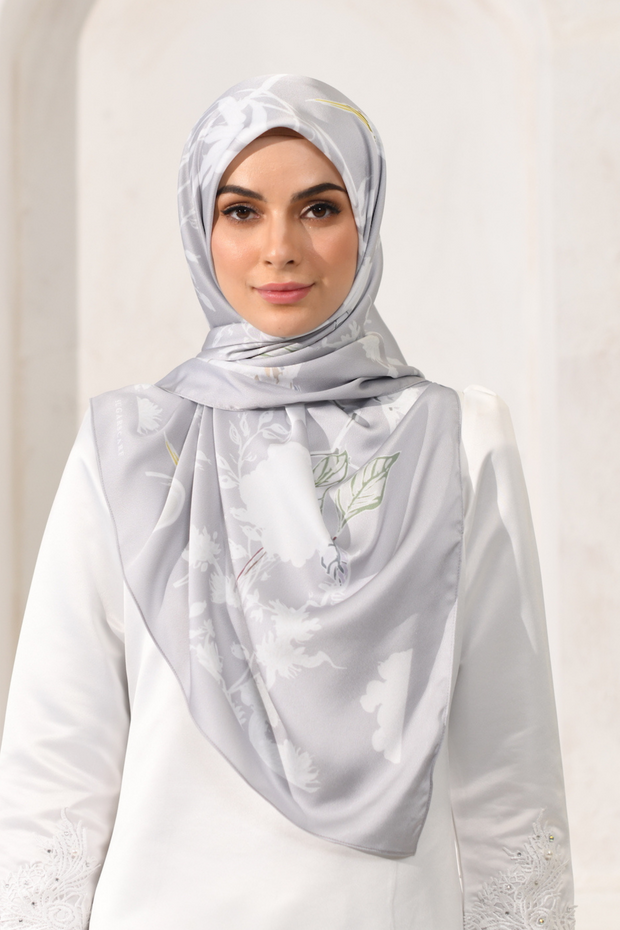 LE Morroco Garden Mixed Satin Square Silk in Dirham