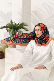 Colours of Morocco: Blooming Square in Warm Dolly