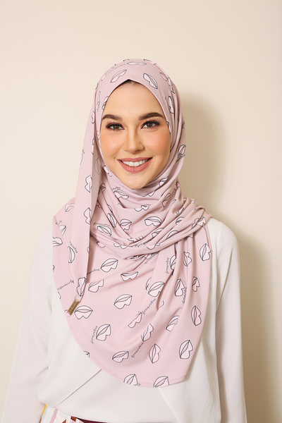 (Pink Crazy Lips )Julia Round Awning Pinless Semi Instant Shawl