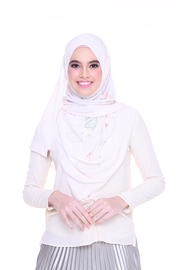 ( Long Shawl ) Chic Traveller in MilkCream ( not white )