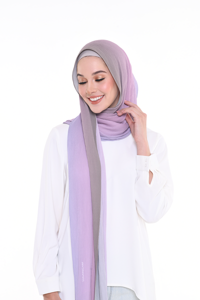 Fashionable hijab on trends : Pleats, Satin Square and