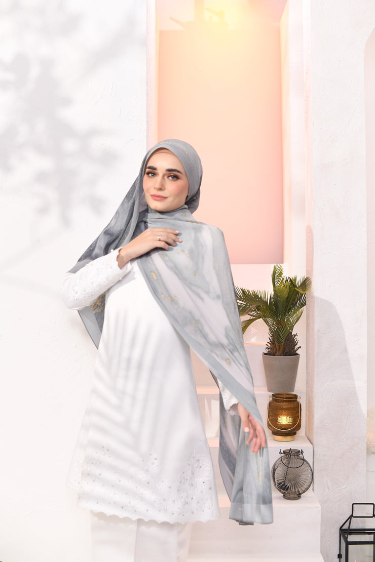 EID DOLCE Pleats Long Shawl in Sarsi
