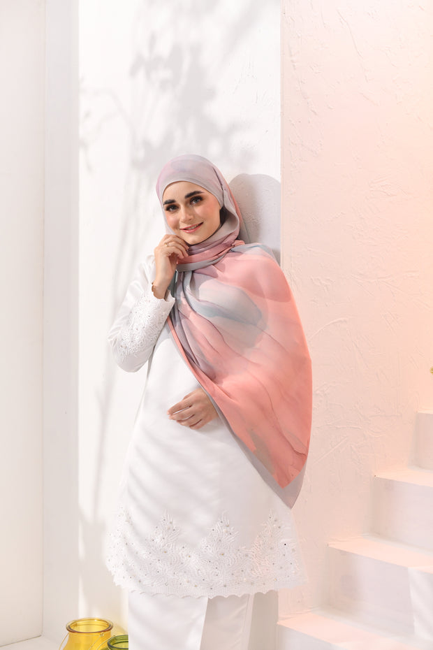 EID DOLCE Pleats Long Shawl in GulaKapas