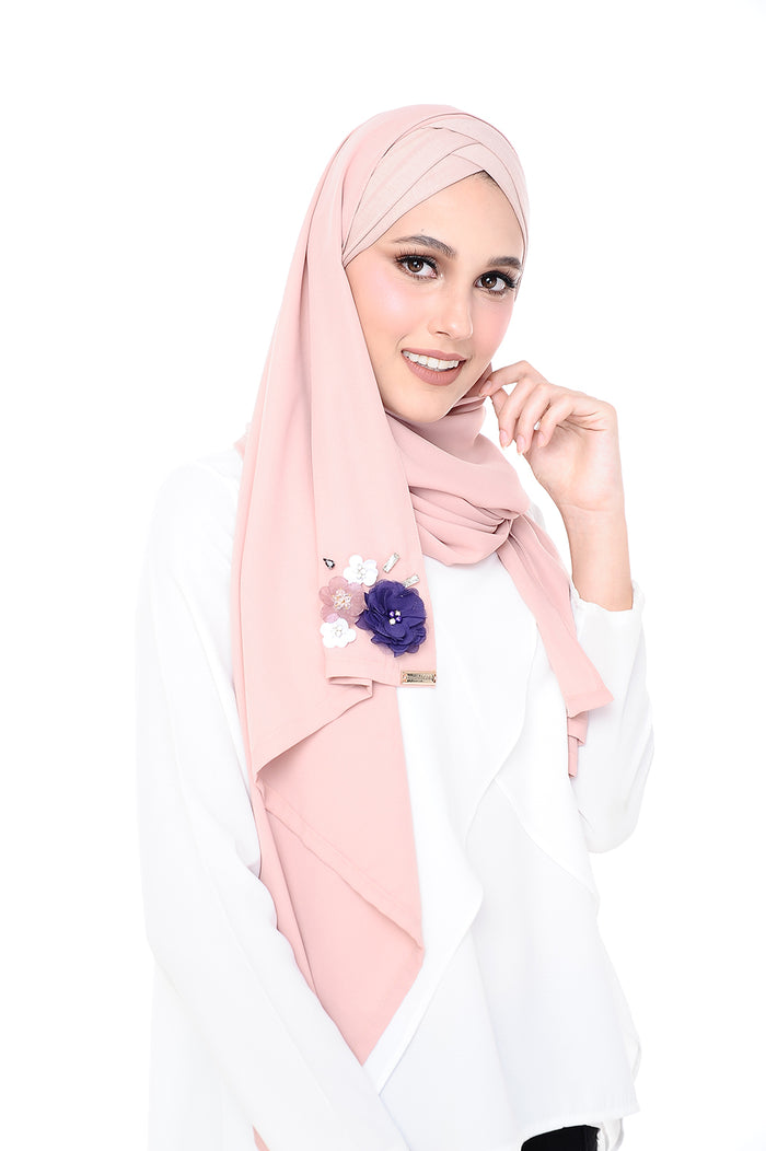 Madison 3D Cake and Cream (TieBack) - Pink based- ( Get RM40 off every 2 pcs purchased)