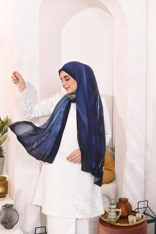 EID DOLCE Pleats Long Shawl in BlueBerry Cheese