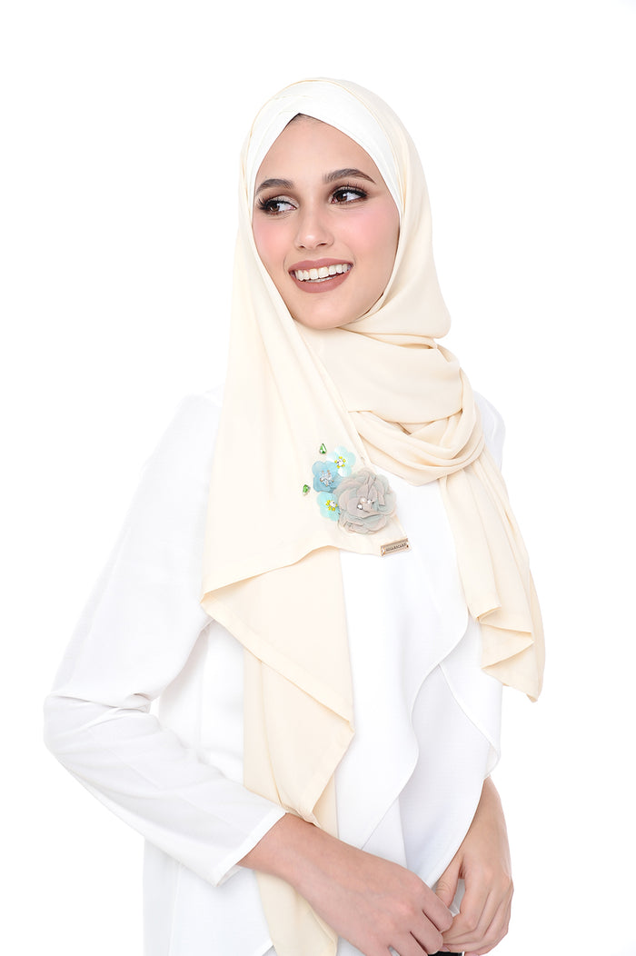 Madison 3D Sweet Pear (TieBack) - Off White ( Get RM40 off every 2 pcs purchased)