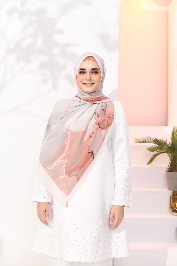 EID DOLCE Pleats Long Shawl in Ice Peach