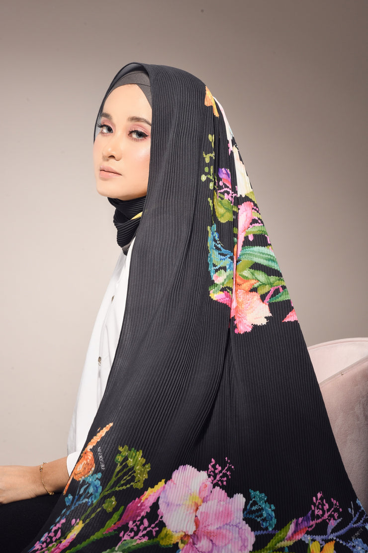 ( Full Pleats ) Empress Blooming Shawls  - Black