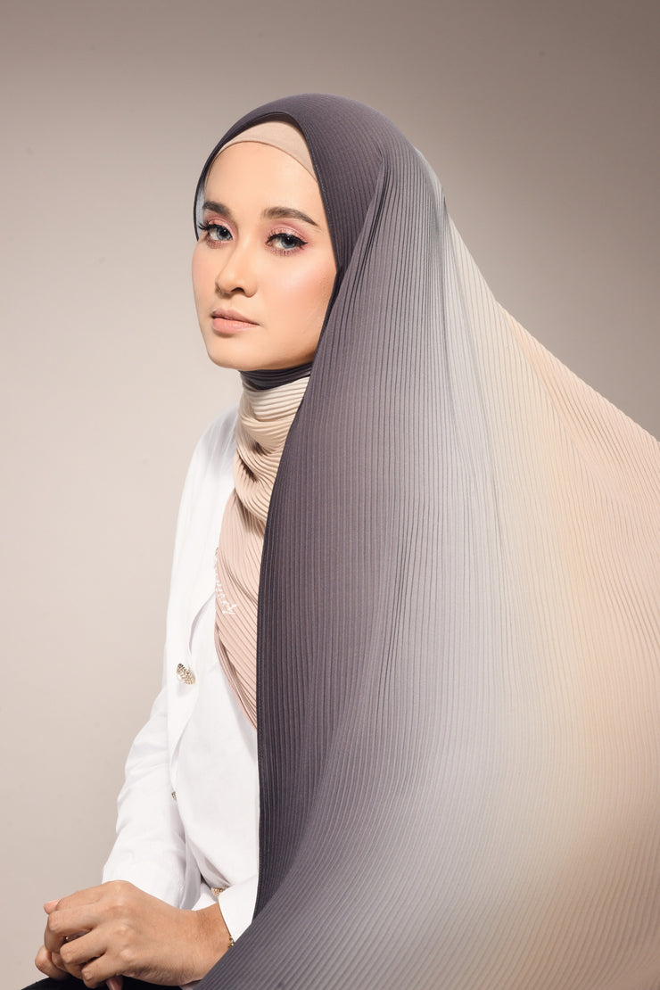 Lapez Ombre Small Pleats Shawl - Charcoal Cream
