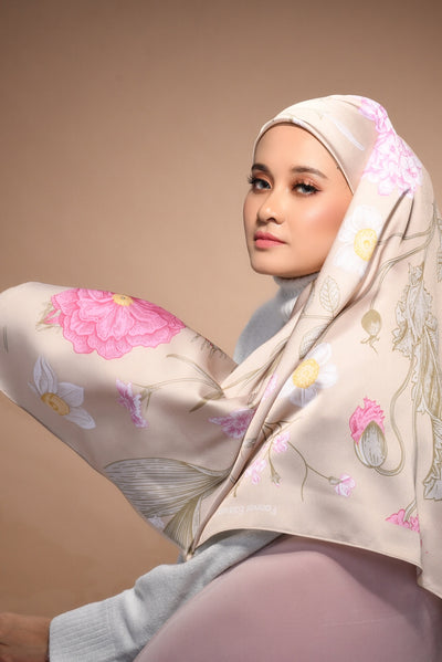 (Square) FOREVER Mix Satin Silk Scarf in 50FirstDates
