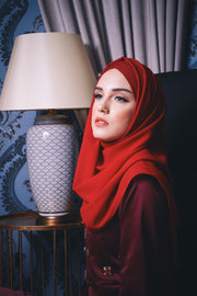 CS Instant Shawl MADISON COMEBACK RED VELVET
