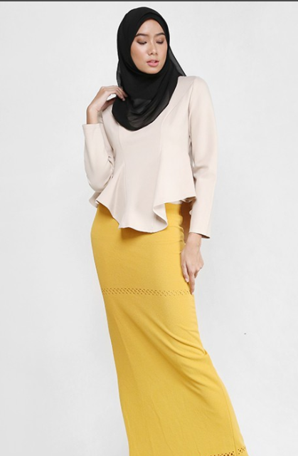 Scarlette Cut Out Chic Style Skirt in Mustard