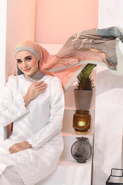 EID DOLCE Pleats Long Shawl in Pandan Cincau