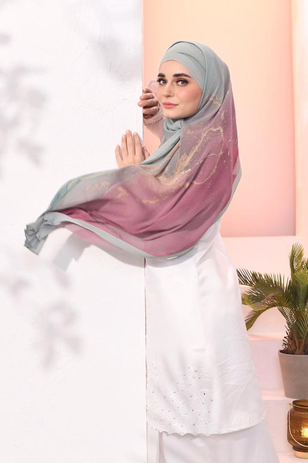 EID DOLCE Pleats Long Shawl in Tembikai Strawberry