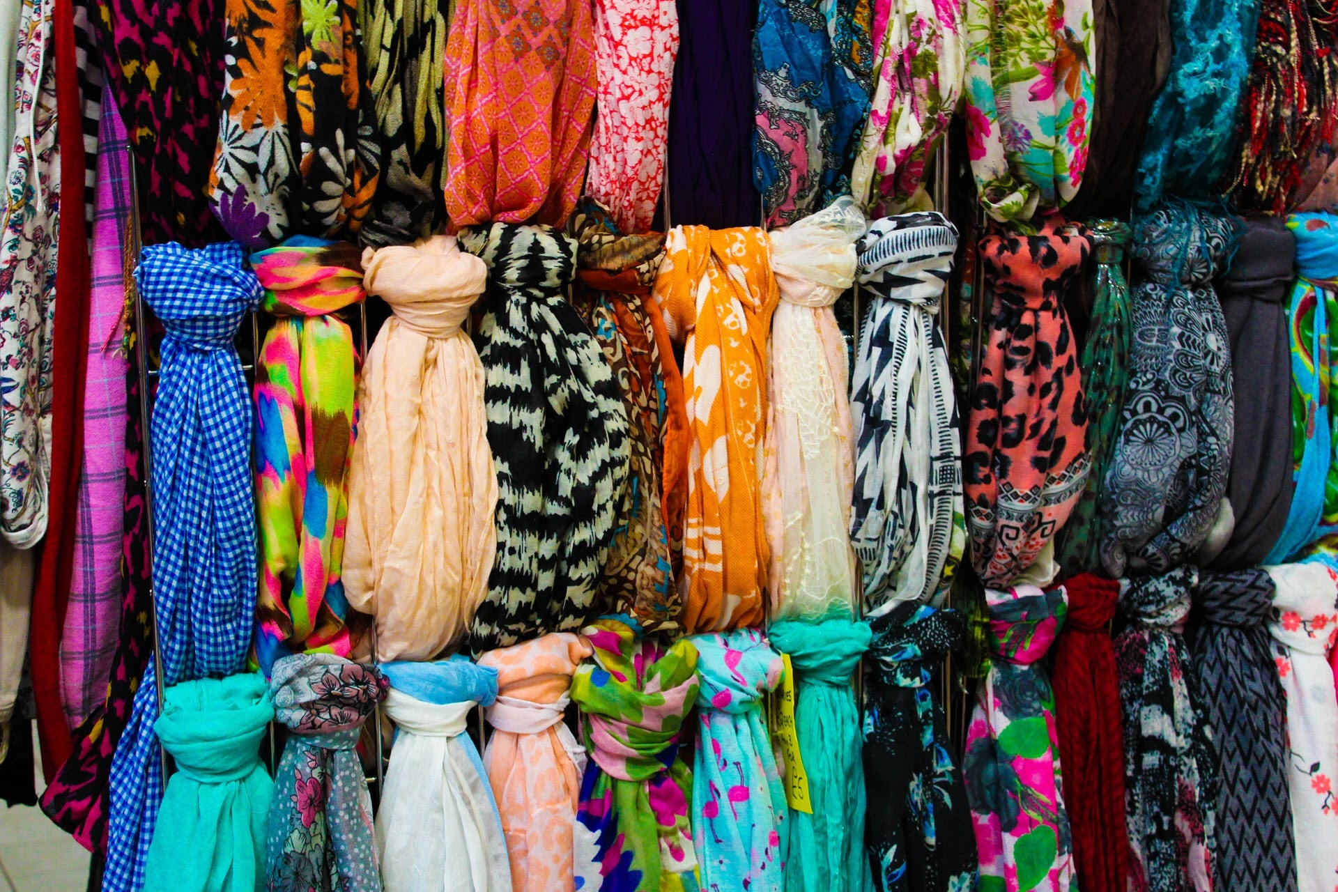 How to Store Scarves Without Wrinkling (30 Creative Ideas)