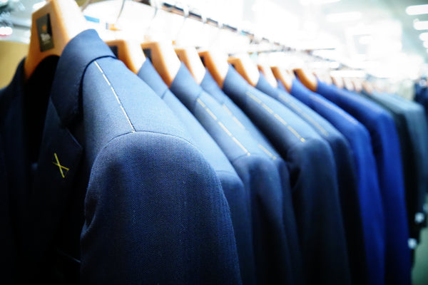 How to Choose the Right Suit Hangers