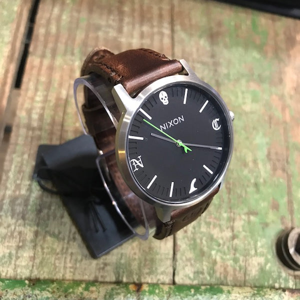 NIXON   CAPTAIN FIN   PORTER LEATHER