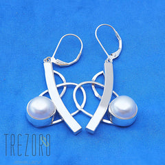 Curved Line and Pearl Earrings