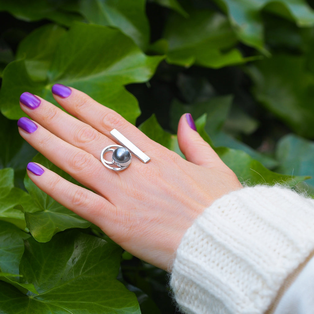 Circle and Tahitian Pearl Ring – Trezoro Jewellery