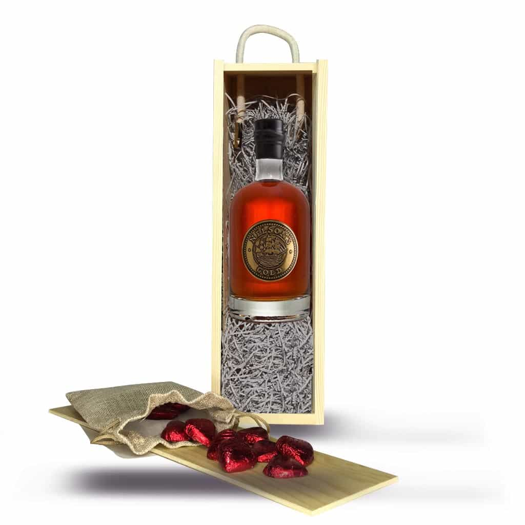 Valentine's Gift Set: Nelson's Gold® Caramelised Vodka 50cl plus Milk Chocolate Hearts