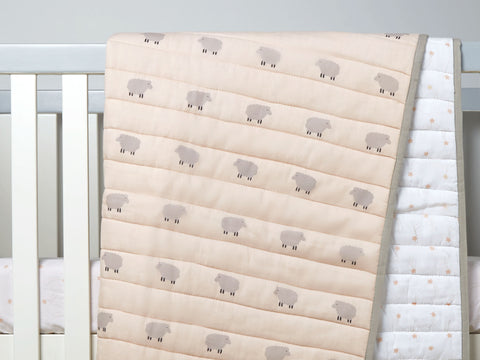 'Counting Sheep' Organic Quilted Blanket (Peach)