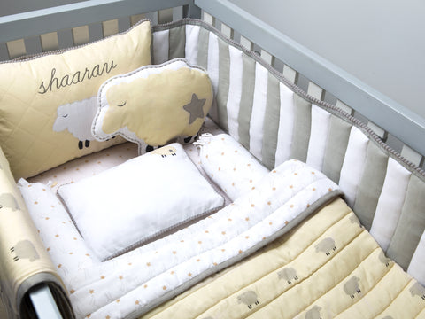 'Counting Sheep' Organic Cot Bedding Set (Cream)