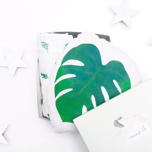 Cuddle & Bundle Box – Tropical Vibes Only