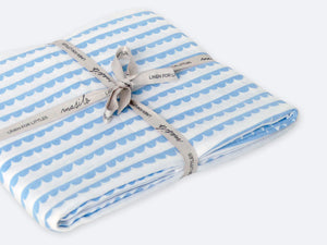 Organic Muslin Fitted Cot Sheet – Scallops (Blue)