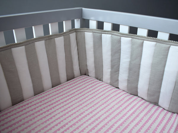 'Scallops' Organic Fitted Cot Sheet (Pink)