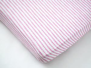 Organic Muslin Fitted Cot Sheet – Scallops (Pink)
