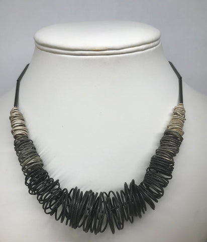 SILVER TWISTED NECKLACE
