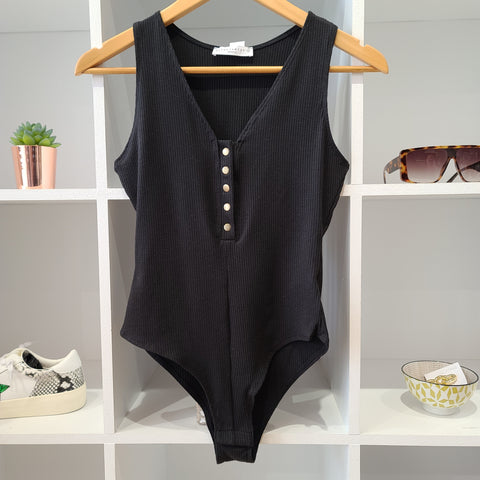 DEEP NECK BLK BODYSUIT TANK
