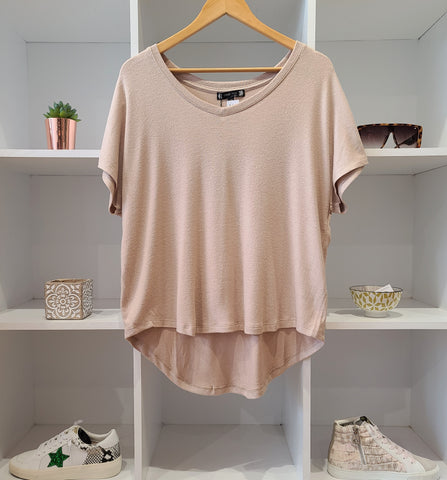 SOFT TAN VNECK S/SLV