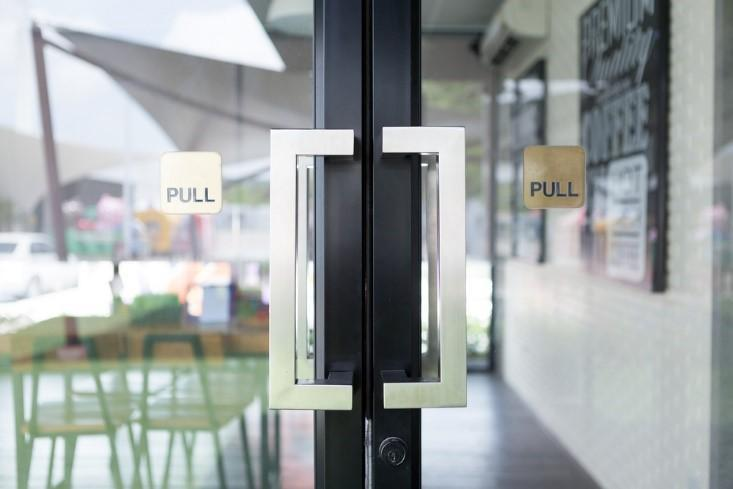 Pivot Door Hinges Can Carry The Load