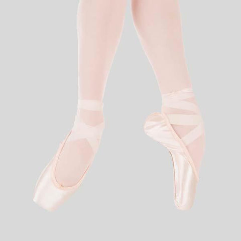 SUFFOLK STELLAR POINTE SHOE- LIGHT