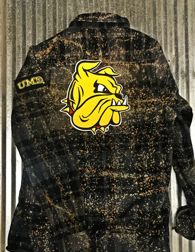 UMD Bulldogs Flannel- Distressed Color