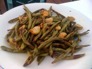 Roasted Green Beans and Garlic