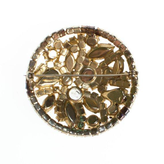 Timeless style Brooch