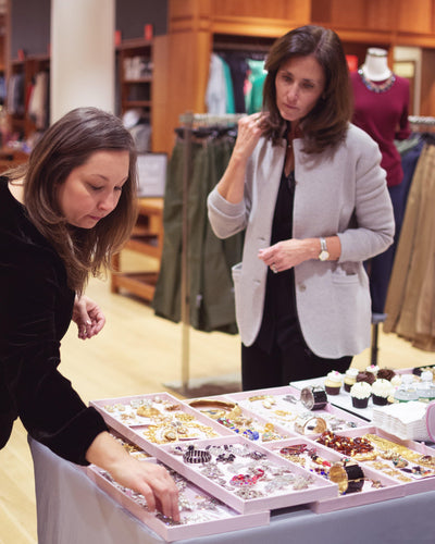 Curated Style - Masterclass on How to Go Beyond the Wardrobe Basics by Vintage Meet Modern  - Vintage Meet Modern Vintage Jewelry - Chicago, Illinois - #oldhollywoodglamour #vintagemeetmodern #designervintage #jewelrybox #antiquejewelry #vintagejewelry